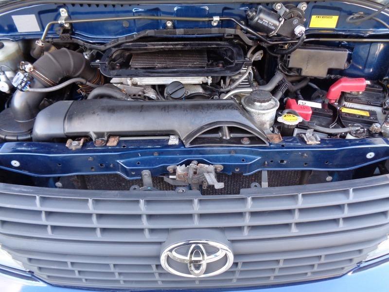 Performa Mesin - Inilah Gambaran Toyota Hiace Luxury yang Menawarkan Kenyamanan Berwisata
