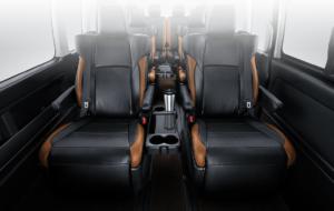 Premium captain seat - Ingin Nyaman Dalam Perjalanan? Manfaatkan Hiace Interior