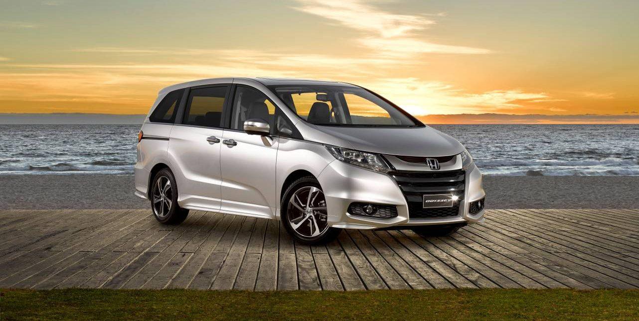 Honda Odyssey - Penggemar Hiace Luxury? Ini Lo 5 Kendaraan Travel Mewah yang Bisa Dipilih