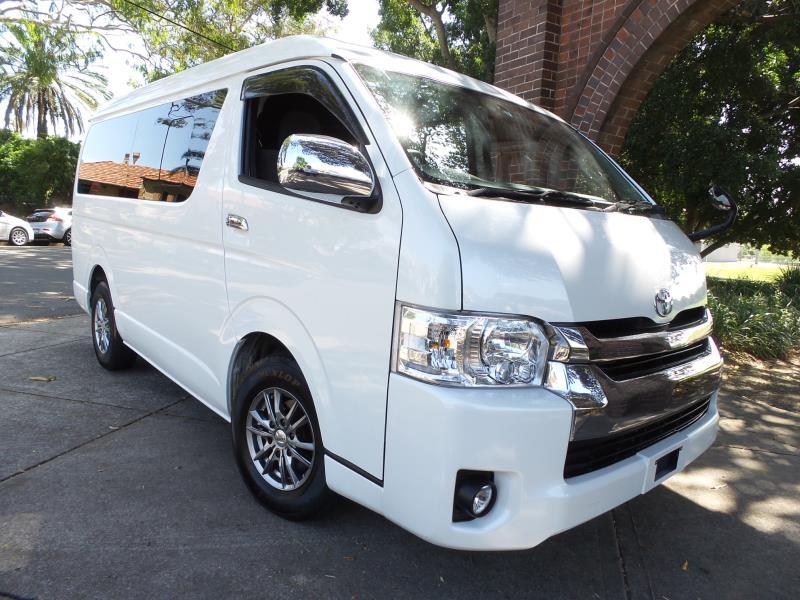 Fitur Keamanan Berkualitas - 5 Kelebihan Hiace VIP Dibanding Kendaraan Commuter Biasa