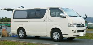 Kapasitas Lebih Besar - 5 Kelebihan Hiace VIP Dibanding Kendaraan Commuter Biasa