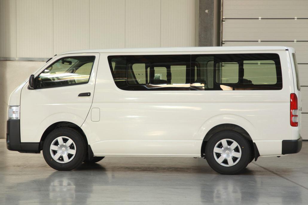Mudah Ditemukan - Kapasitas Hiace Yang Besar Ternyata Hanya Satu dari Sekian Banyak Keunggulan Mobil Besutan Toyota Ini