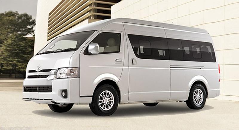 Layanan Penyewaan Hiace Terbaik - Lebih Mewah dan Luas dengan Toyota Hiace Luxury - Tak Percaya Kalau Harga Sewa Mobil Hiace Murah? Bisa Muat 16 Orang!