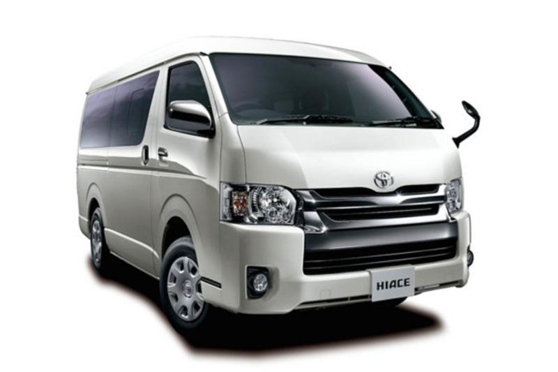 Ramai-Ramai Liburan dengan Toyota Hiace, Bisa Muat 16 Orang!