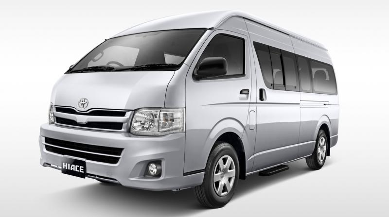 Toyota HiAce Luxury - Mengintip Harga Rental Hiace Jakarta Selatan
