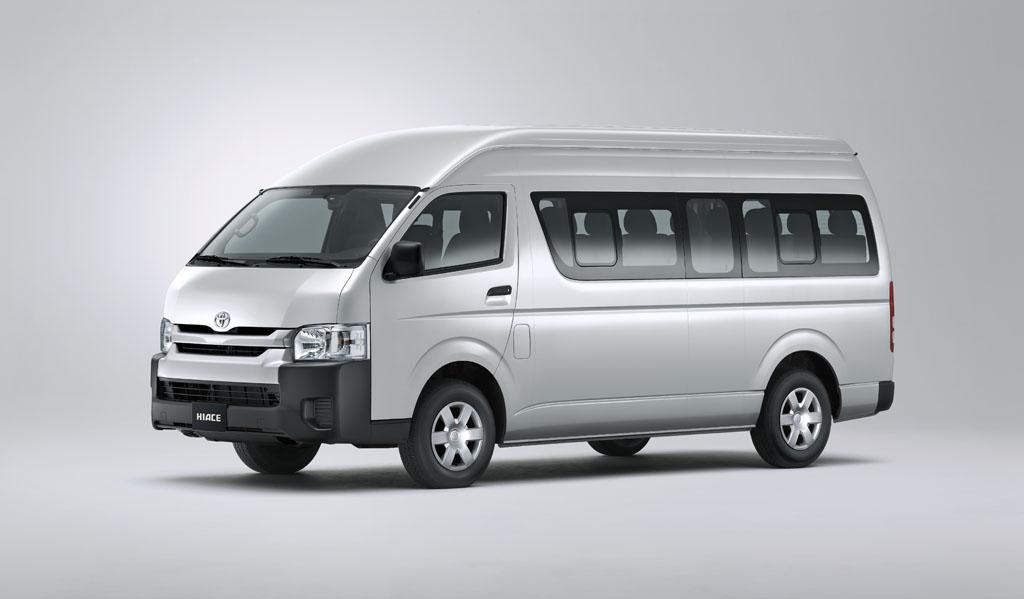 Interior dan Eksterior Hiace Standard - Pengalaman Liburan Aman, Nyaman, dan Mewah Bersama Toyota Hiace