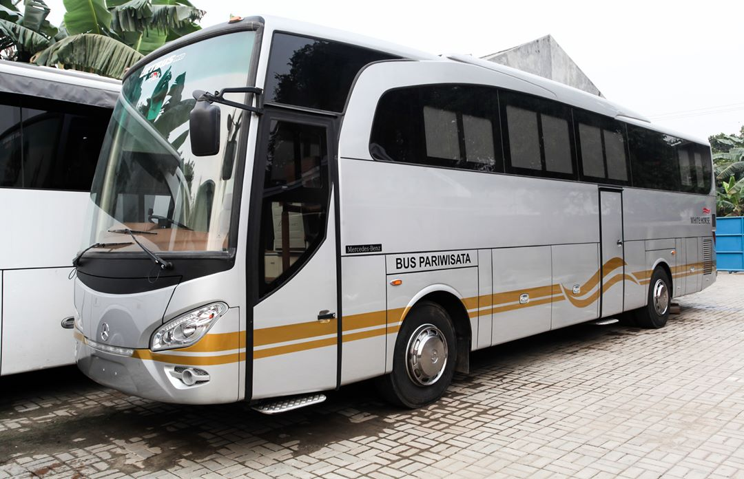 Pelayanan Baik - 5 Alasan Mengapa Anda Harus Menyewa Weha One Bus Premium dari White Horse