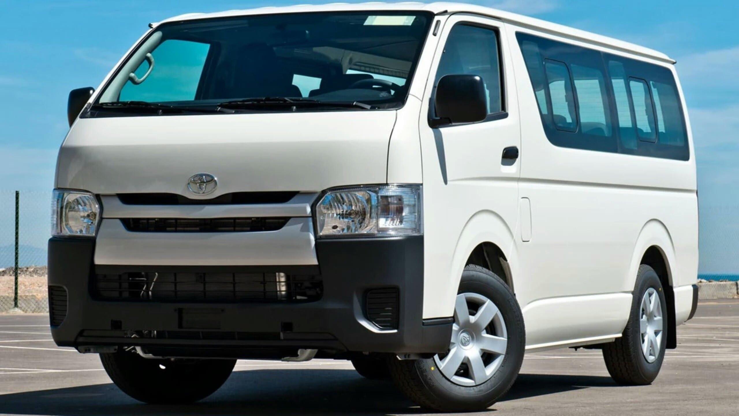 Mau Liburan? Tips Memilih Penyewaan Mobil Hiace yang Baik - Toyota Hiace, Pilihan Terbaik untuk Perjalanan Rombongan dan Keluarga