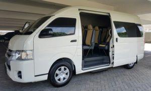 Mengenal Jenis dan Kapasitas Hiace - Toyota Hiace, Pilihan Terbaik untuk Perjalanan Rombongan dan Keluarga