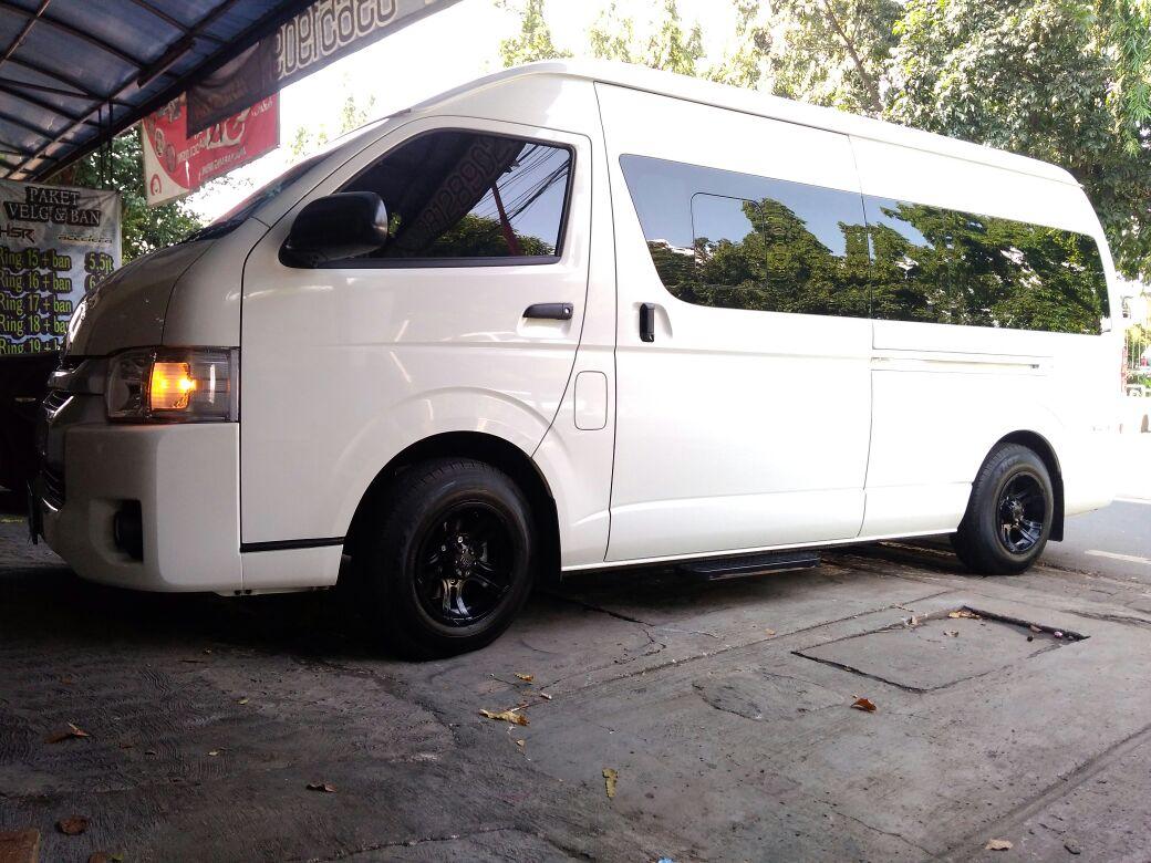 Irit Bahan bakar - Sewa Mobil HiAce untuk Liburan Bersama Keluarga? Why Not!