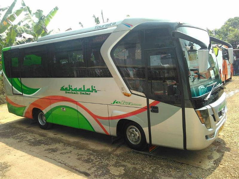 Bus Medium Jepara - Bus Sahaalah Jekatrans