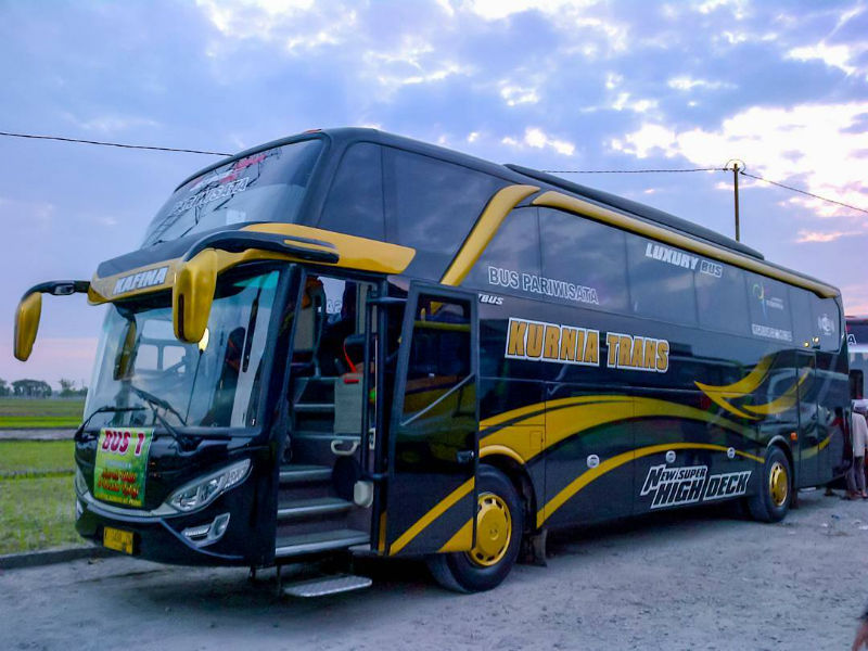 Bus Pariwisata Kurnia Trans - Bus Kurnia Trans