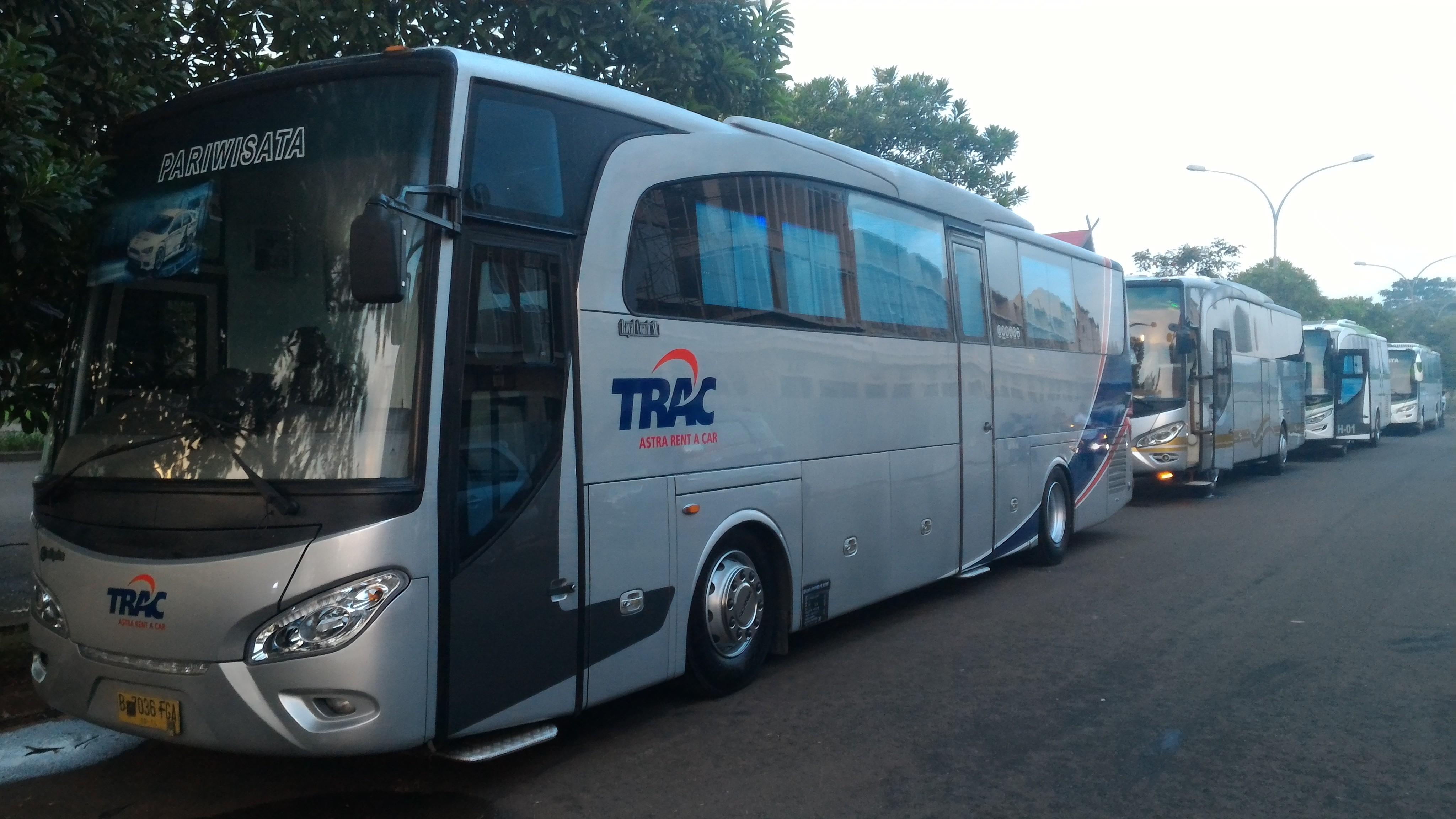 Premium Bus dari Trac - Ini 5 Bus Angkutan Umum Termewah di Indonesia