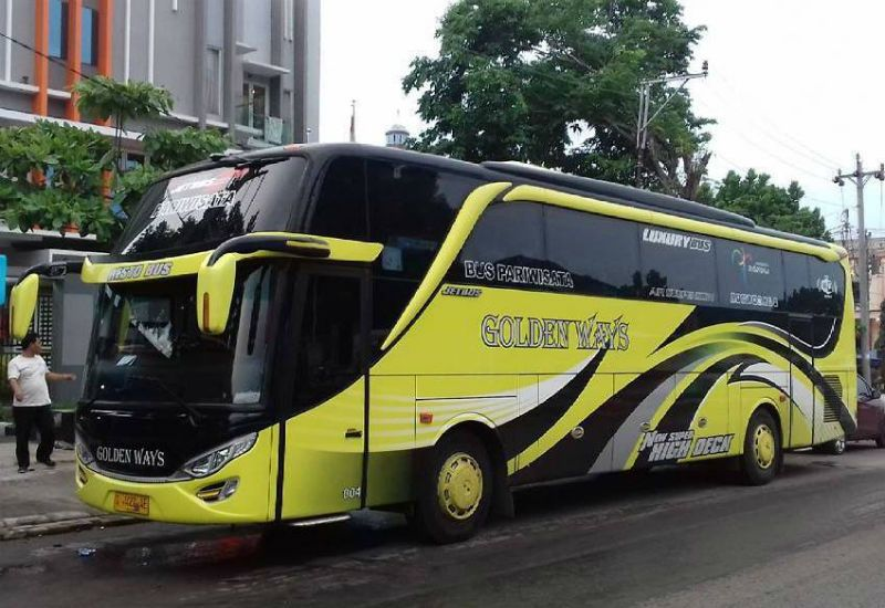 Bus GOLDEN WAYS