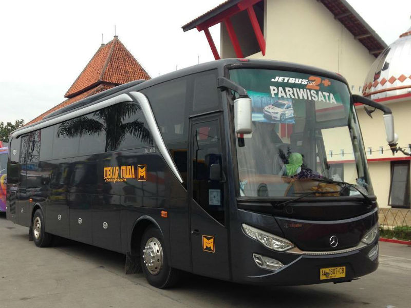 Bus Mekar Muda