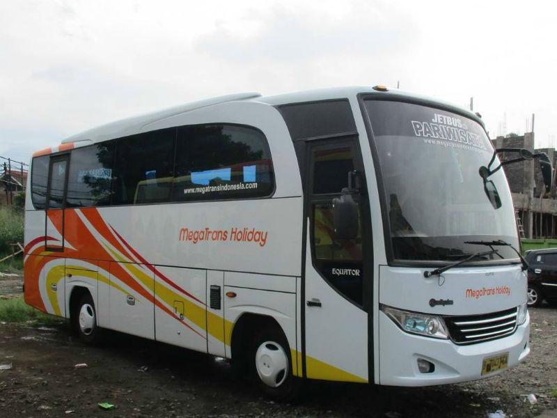 Bus Pariwisata Bandung - Bus Mega Trans Holiday