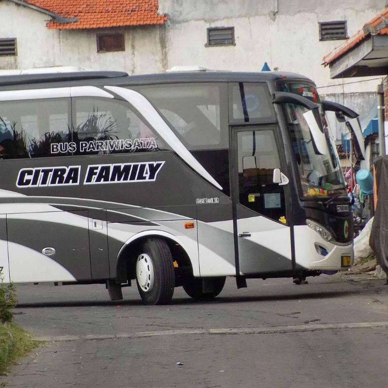 Bus Pariwisata Lamongan - Bus Citra Family