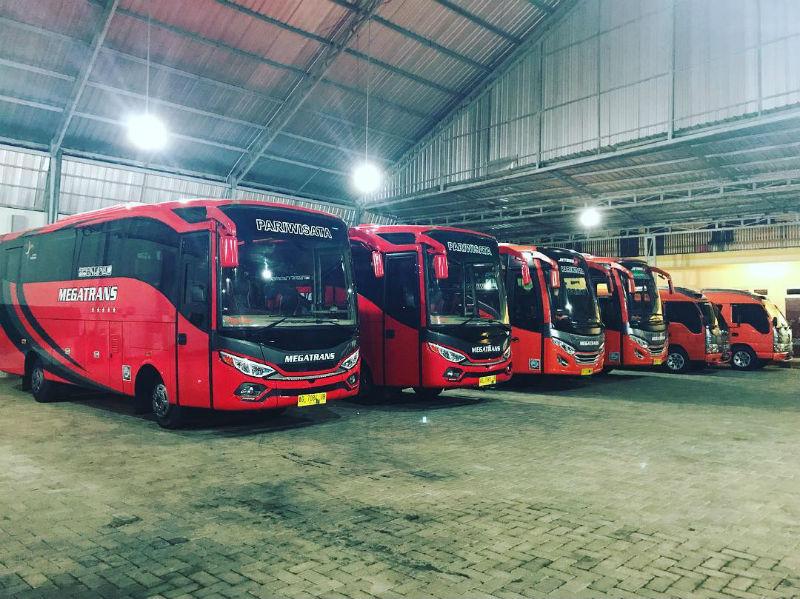 Bus Pariwisata Malang - Bus Megatrans