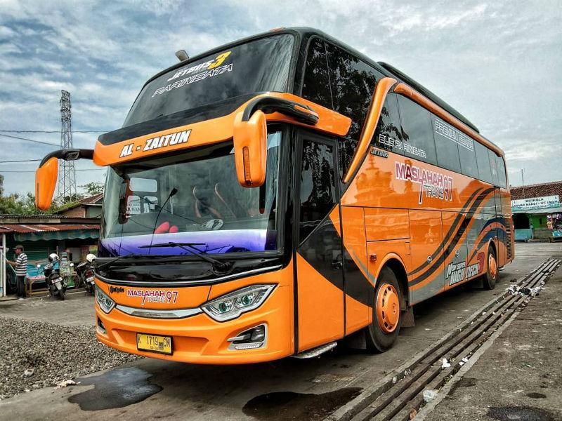 Bus Pariwisata Pasuruan - Maslahah Trans