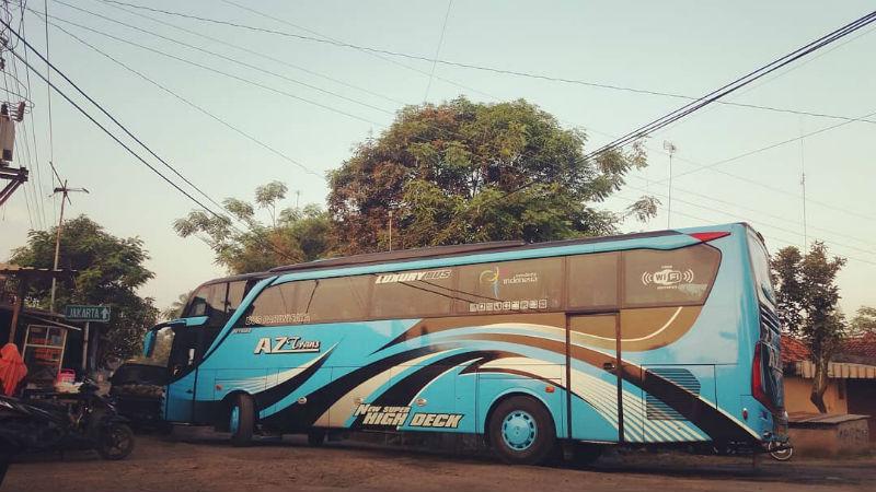 Bus Pariwisata Pemalang - Bus AZ Trans