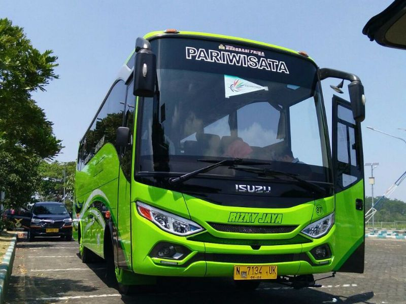 Sewa Bus Malang - Bus Rizky Jaya