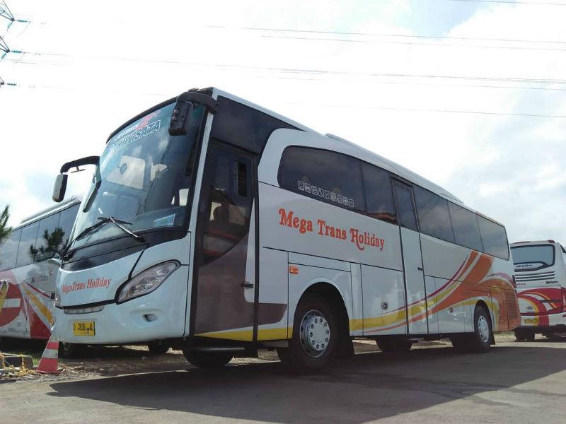 Sewa Bus Pariwisata Bandung - Bus Mega Trans Holiday