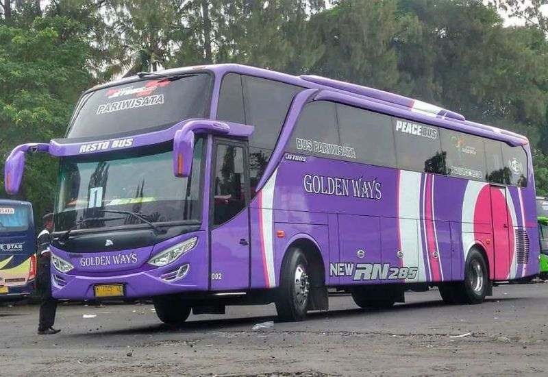 Sewa Bus Pariwisata Demak - Bus GOLDEN WAYS