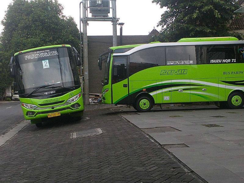 Sewa Bus Pariwisata Malang - Bus Rizky Jaya