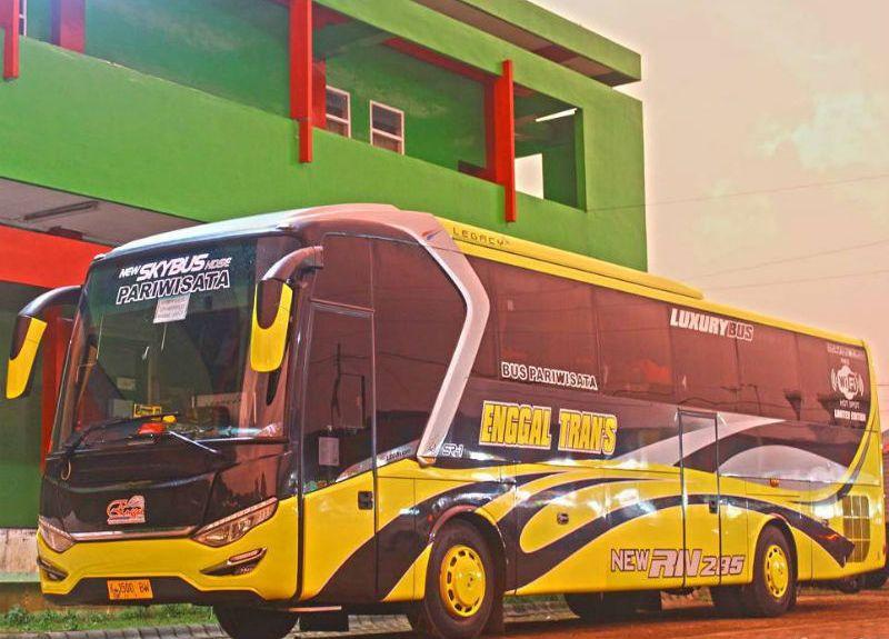 Bus Pariwisata - Enggal Trans Jaya