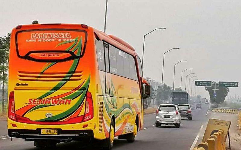 Bus Pariwisata Surabaya - Setiawan