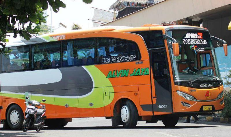 Bus Pariwisata di Sidoarjo - Alvin Jaya