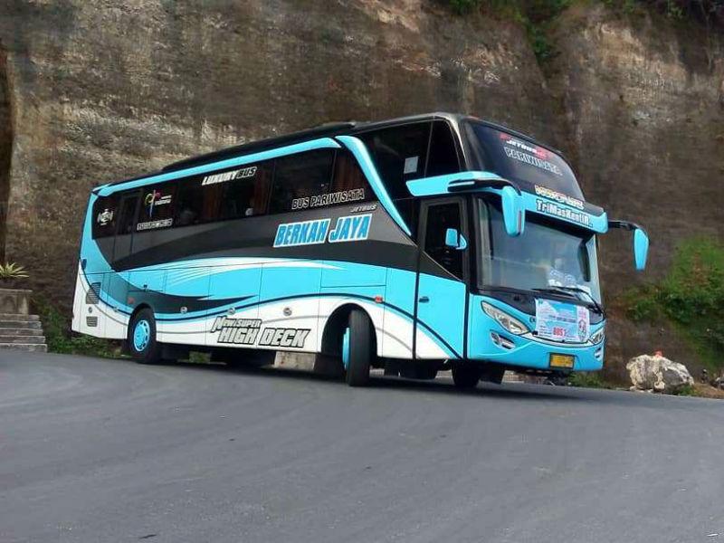 Sewa Bus Pariwisata Gresik - Berkah Jaya