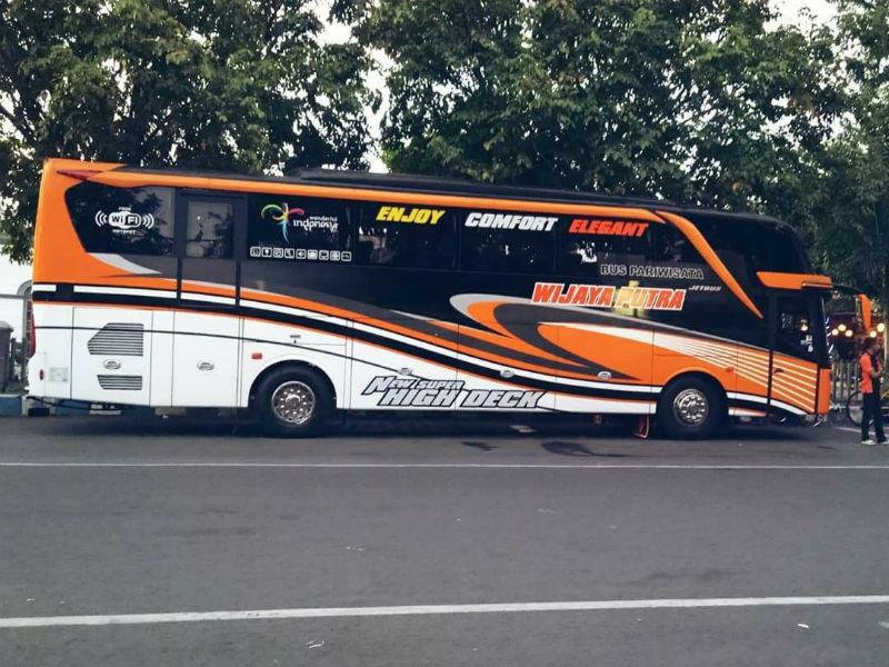 Sewa Bus Pariwisata Malang - Wijaya Putra