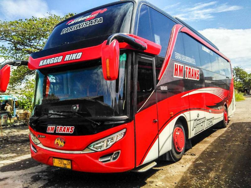 Sewa Bus Pariwisata Sidoarjo - HM Trans