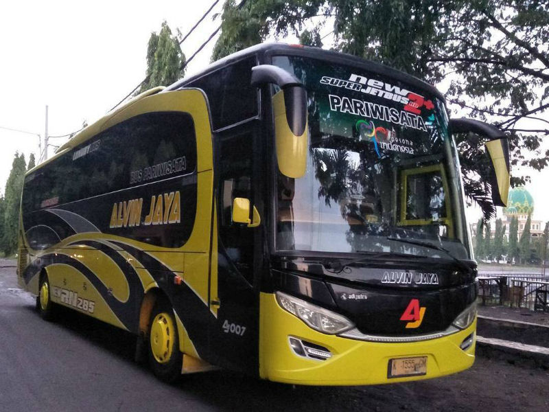 Sewa Bus Pariwisata Surabaya - Alvin Jaya