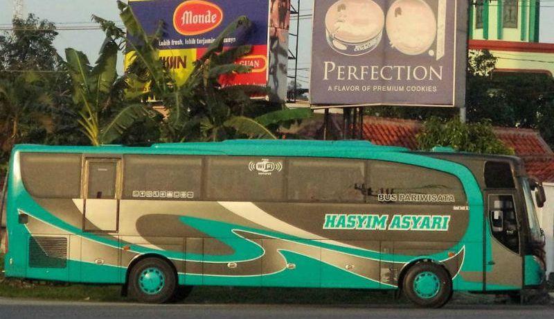 Sewa Bus Pariwisata Surabaya - Hasyim Asyari
