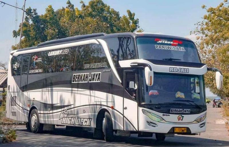 Sewa Bus Pariwisata di Gresik - Berkah Jaya
