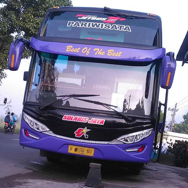 Sewa Bus Pariwisata di Sidoarjo - Solaris Jaya