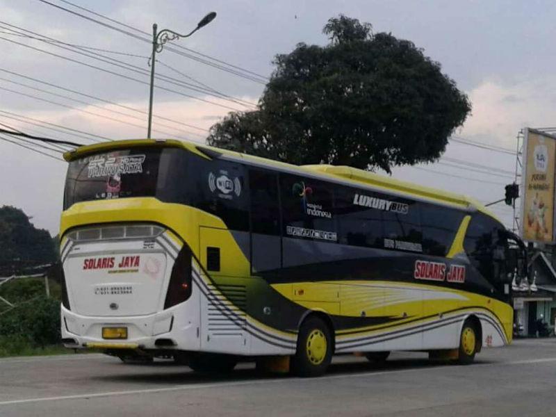 Sewa Bus Pariwisata di Surabaya - Solaris Jaya