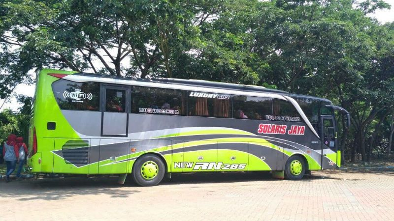Sewa Bus Surabaya - Solaris Jaya