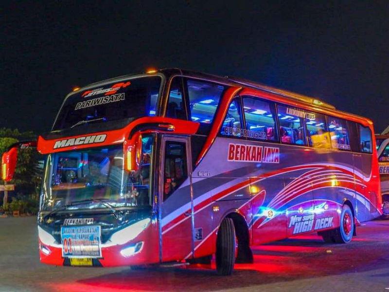Sewa Bus di Gresik - Berkah Jaya