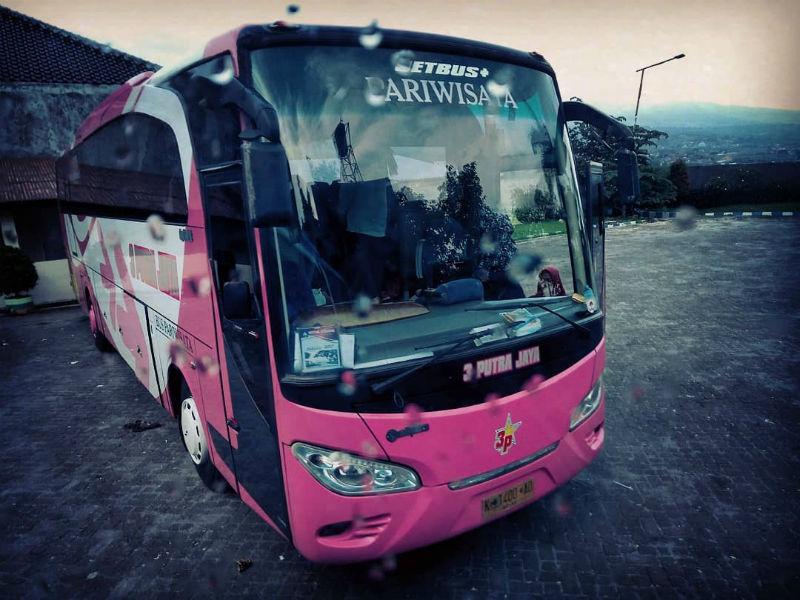 Bus Pariwisata - 3 Putra Jaya