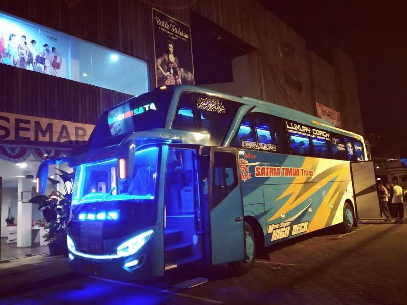 Bus Pariwisata Jember - Satria Timur Trans