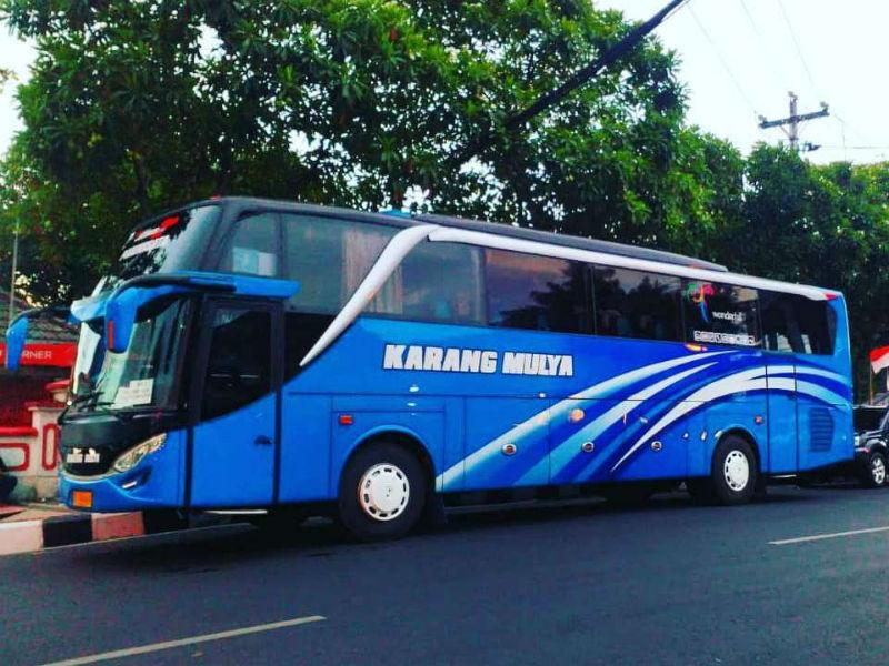 Bus Pariwisata - Karang Mulya