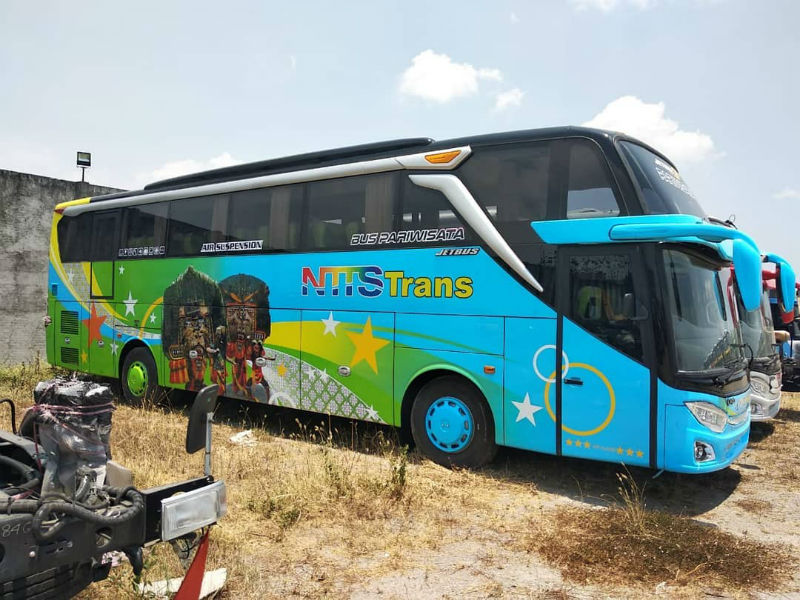 Bus Pariwisata Ponorogo - NTTS Trans