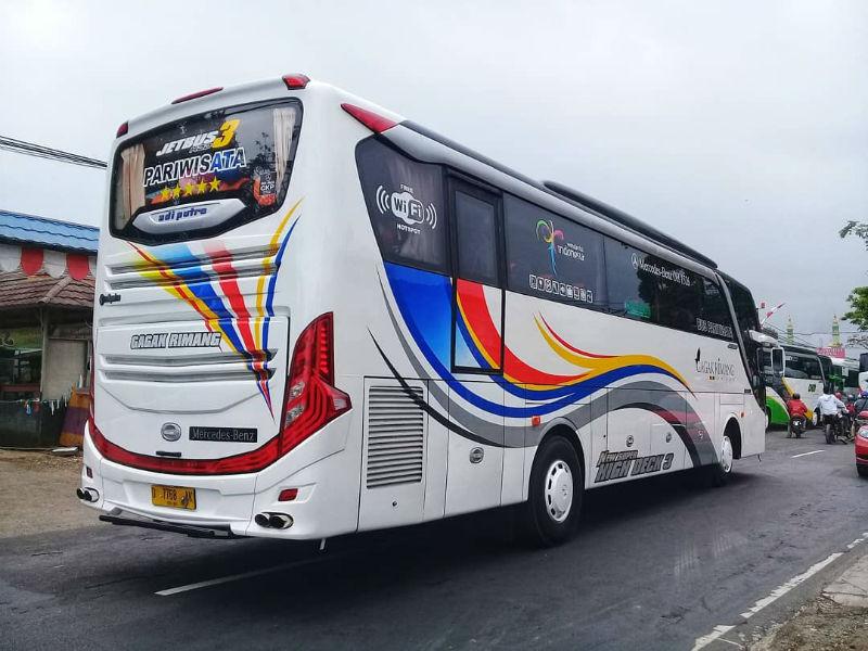 Sewa Bus Pariwisata - Gagak Rimang