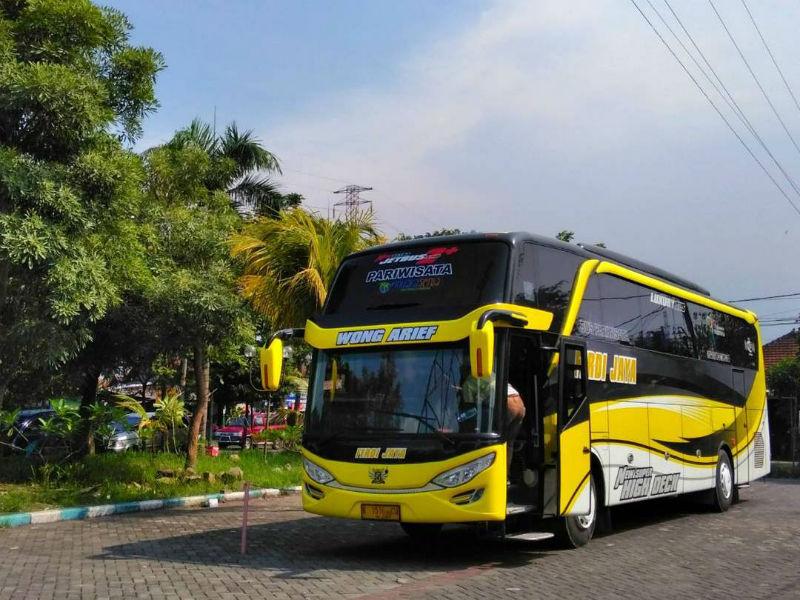 Sewa Bus Pariwisata Surabaya - Ferdi Jaya